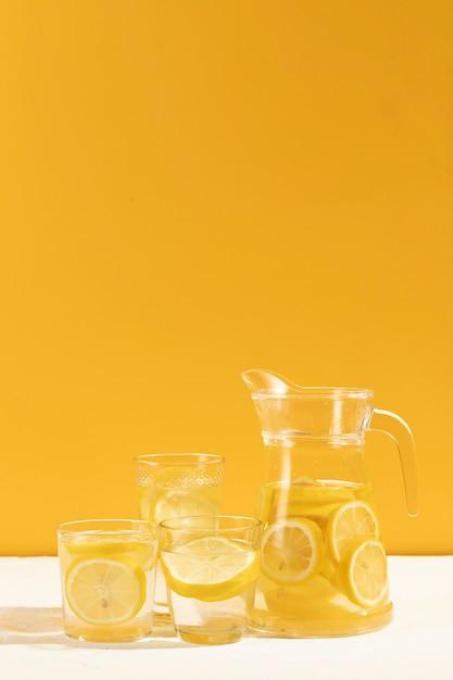 Gotowy do podania smacznej lemoniady Darmowe Zdjęcia