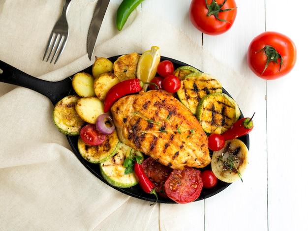 Grillowane Piersi Z Kurczaka Z Warzywami Darmowe Zdjęcia