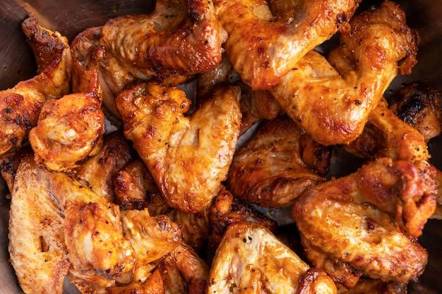 Grillowane Skrzydełka Z Kurczaka. Widok Z Góry Premium Zdjęcia