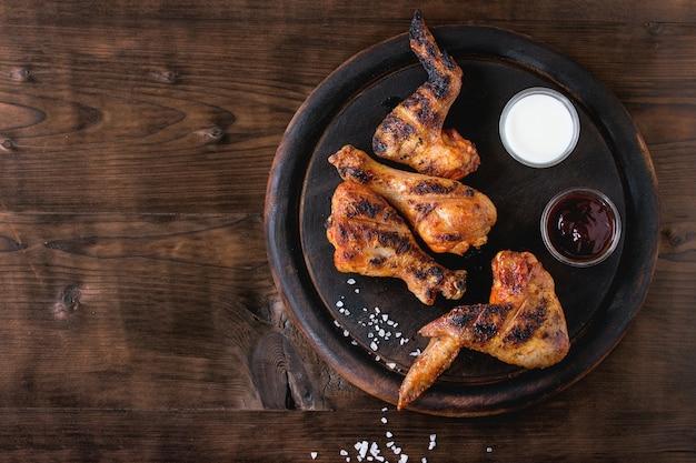 Grillowany Kurczak Z Grilla Premium Zdjęcia