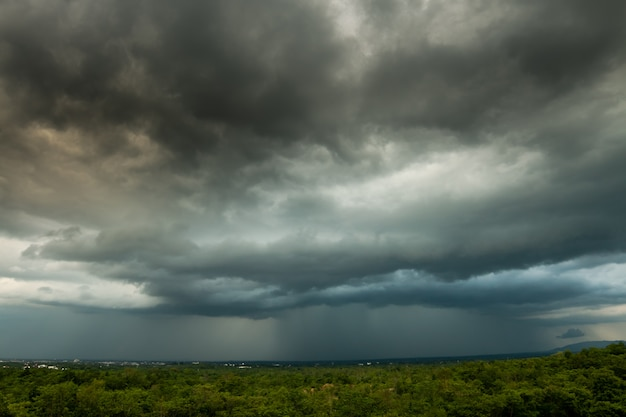 Grzmot burza niebo deszcz chmury Premium Zdjęcia