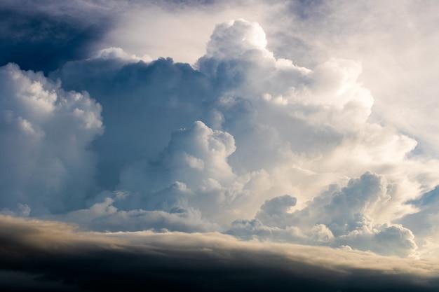 Grzmot Burzowy Niebo Deszczowe Chmury Premium Zdjęcia