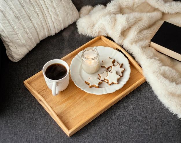 Herbata I Książka Na Relaks Darmowe Zdjęcia