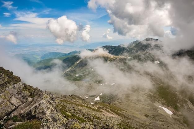 Hi-res panorama gór retezat, rumunia, europa Premium Zdjęcia