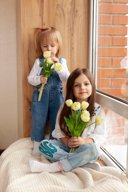 Higha Ngle Dziewczyny Z Kwiatami Darmowe Zdjęcia