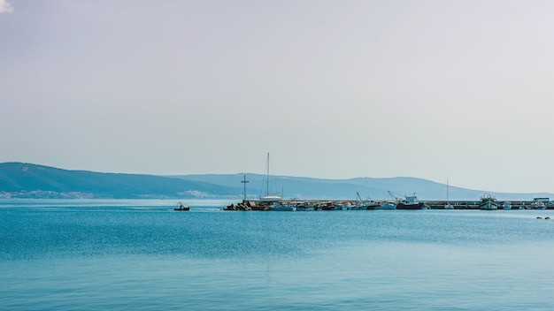 Horizont Z Parkingiem Dla łodzi, Czas Wolny Premium Zdjęcia