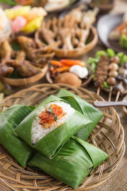 Indonezyjskie Tradycyjne Potrawy Ze środkowej Jawy Premium Zdjęcia