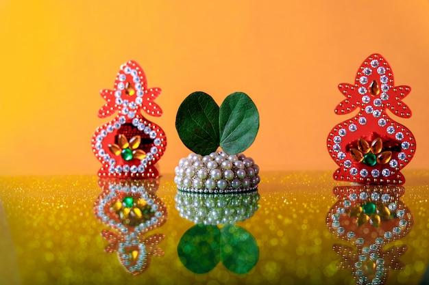 Indyjski festiwal dasera, liść i ryż Premium Zdjęcia