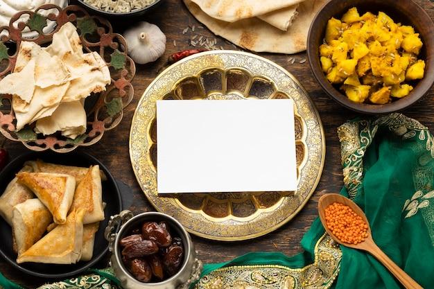 Indyjskie Jedzenie Z Sari Darmowe Zdjęcia