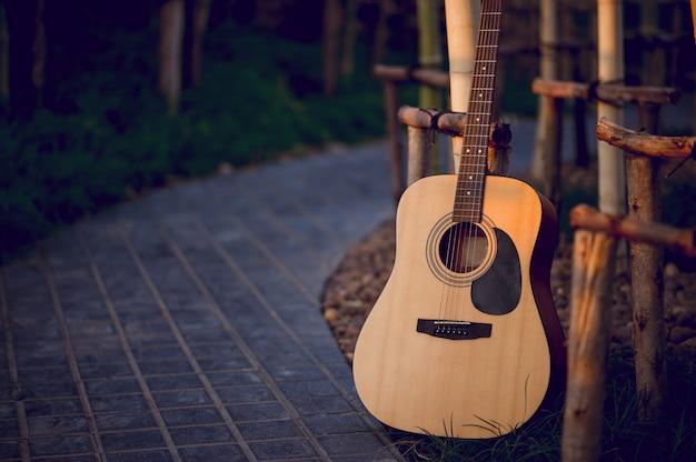 Instrument gitarowy profesjonalnych gitarzystów instrument muzyczny Premium Zdjęcia