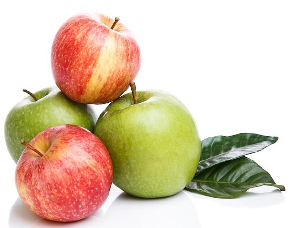 Jabłka na stole Darmowe Zdjęcia