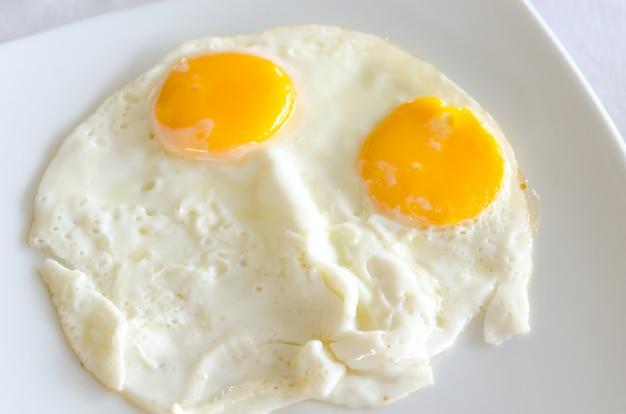 Jajko sadzone Premium Zdjęcia