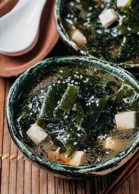 Japońskie Jedzenie W Zbliżenie Asortyment Miski Darmowe Zdjęcia