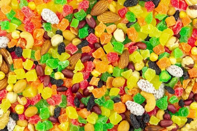Jasne I Kolorowe Owoce Kandyzowane Z Bliska Orzechy Premium Zdjęcia