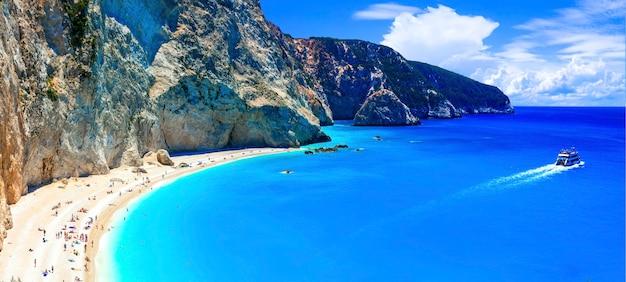Jedna Z Najpiękniejszych Plaż Grecji - Porto Katsiki Na Lefkadzie. Wyspy Jońskie Premium Zdjęcia