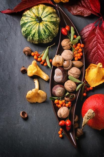 Jesieni Tło Z Baniami Premium Zdjęcia