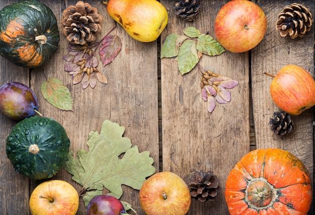 Jesieni żniwa Wciąż życia Tła Odgórny Widok Premium Zdjęcia