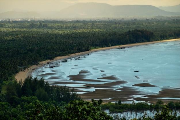 Jezioro Rano Premium Zdjęcia
