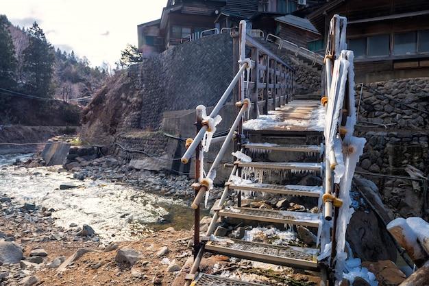 Jigokudani Małpa Park Ze śniegiem W Zimie Premium Zdjęcia