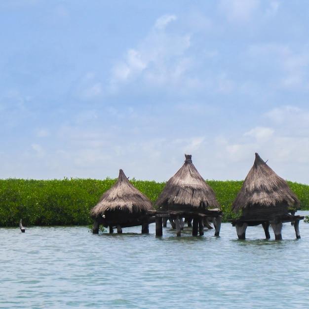 Kabiny w środku jeziora Darmowe Zdjęcia