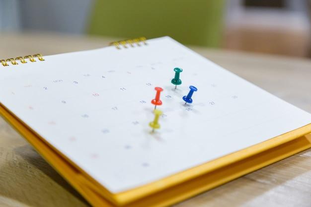 Kalendarz event planner jest zajęty Premium Zdjęcia