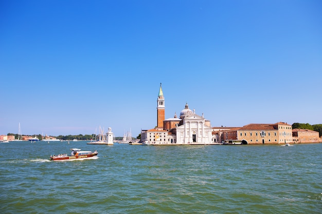 Kanał Grande I Bazyliki Santa Maria Della Salute, Wenecja, Włochy Premium Zdjęcia
