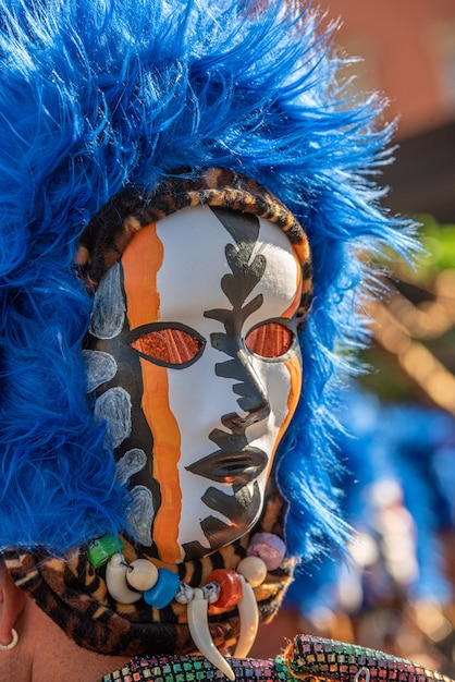 Karnawałowa Maska Z Niebieską Peruką Premium Zdjęcia