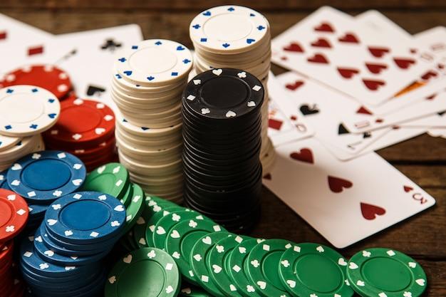 Karty Pokerowe I żetony Premium Zdjęcia