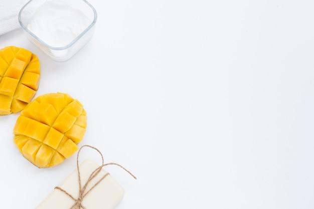 Kąt Kremu Z Masłem Do Ciała I Mango Darmowe Zdjęcia