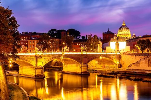 Katedra świętego Piotra W Watykanie. Premium Zdjęcia