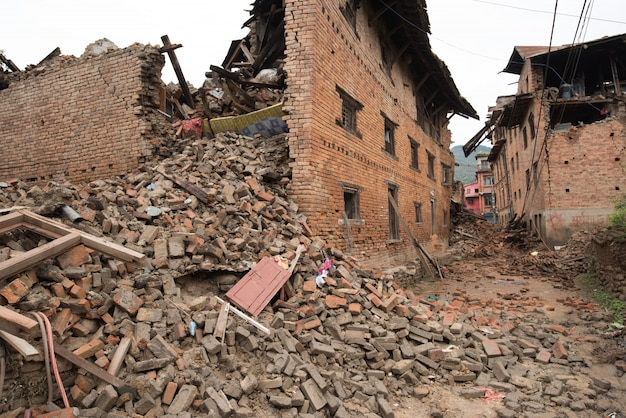 Katmandu Nepal, Który Został Poważnie Uszkodzony Po Trzęsieniu Ziemi Premium Zdjęcia
