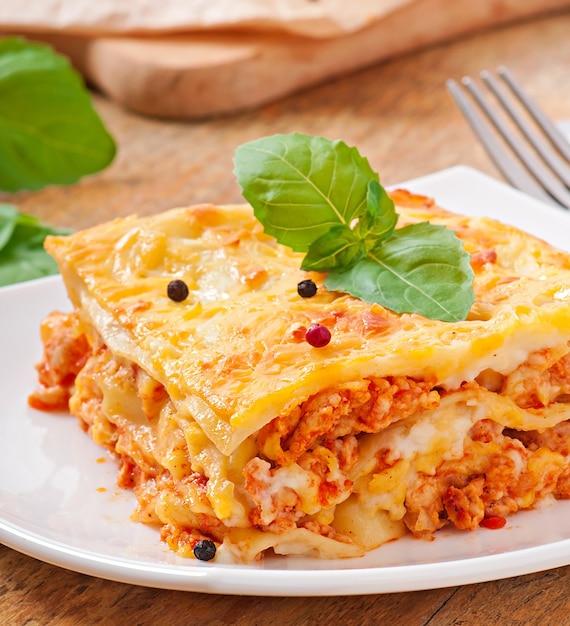 Klasyczna Lasagne Z Sosem Bolońskim Darmowe Zdjęcia