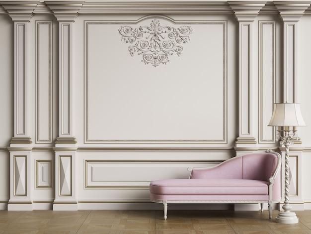 Klasyczna Różowa Sofa W Klasycznym Wnętrzu Premium Zdjęcia