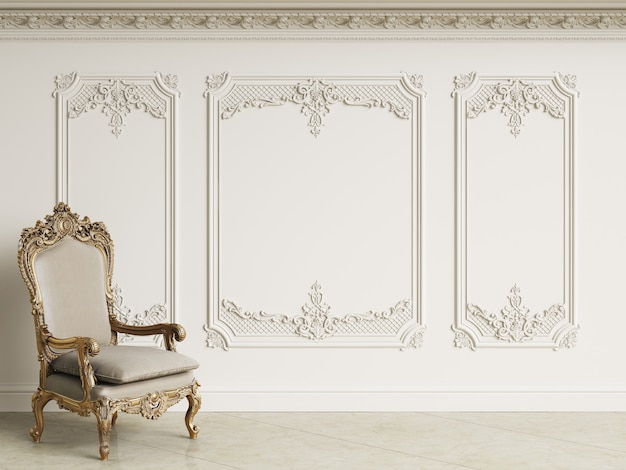 Klasyczny Barokowy Fotel W Klasycznym Wnętrzu. ściany Z Listwami I Zdobiony Gzyms. Podłoga Marmurowa. Renderowania 3d Premium Zdjęcia