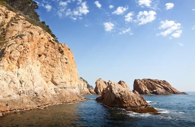 Klify Na Wybrzeżu Costa Brava Darmowe Zdjęcia