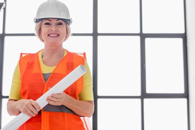 Kobieta Inżynier Niski Kąt Premium Zdjęcia