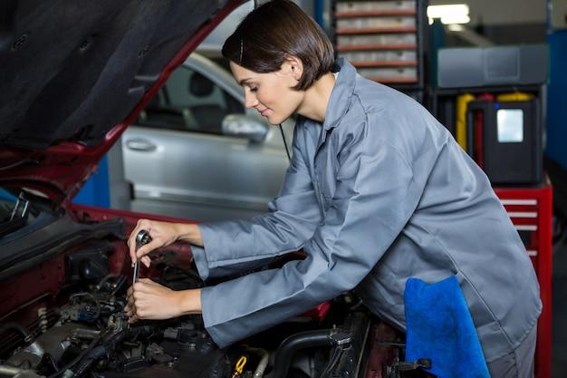 Kobieta Mechanik Samochodowy Serwis Darmowe Zdjęcia