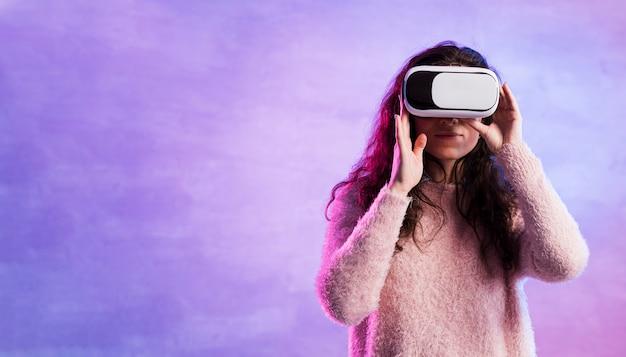 Kobieta Używa Vr Nową Technologię Darmowe Zdjęcia