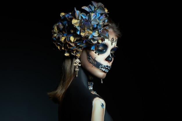 Kobieta W Makijażu Szkieletu Premium Zdjęcia