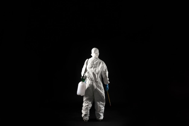Kobieta Wirusolog, Nosi środki Ochrony Indywidualnej. Premium Zdjęcia