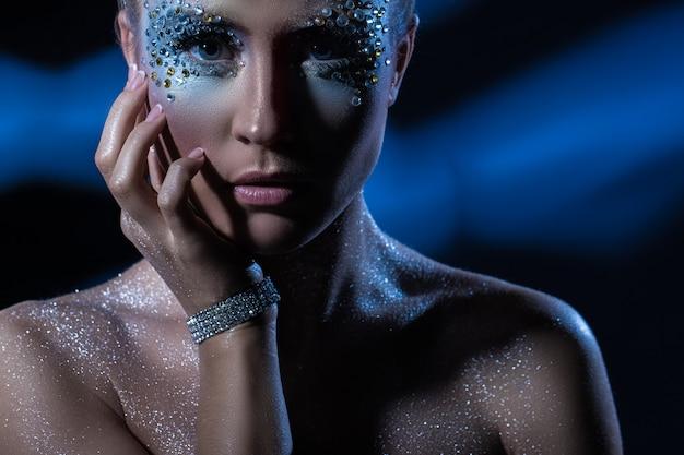 Kobieta z makijażu artystycznego Darmowe Zdjęcia