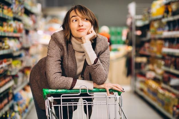 Kobieta Zakupy W Sklepie Spożywczym Darmowe Zdjęcia