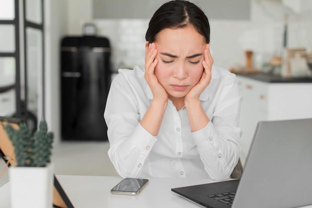 Kobieta Zestresowana Z Pracy Darmowe Zdjęcia