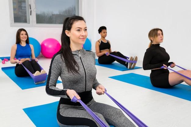 Kobiety ćwiczące Z Skakanką Darmowe Zdjęcia