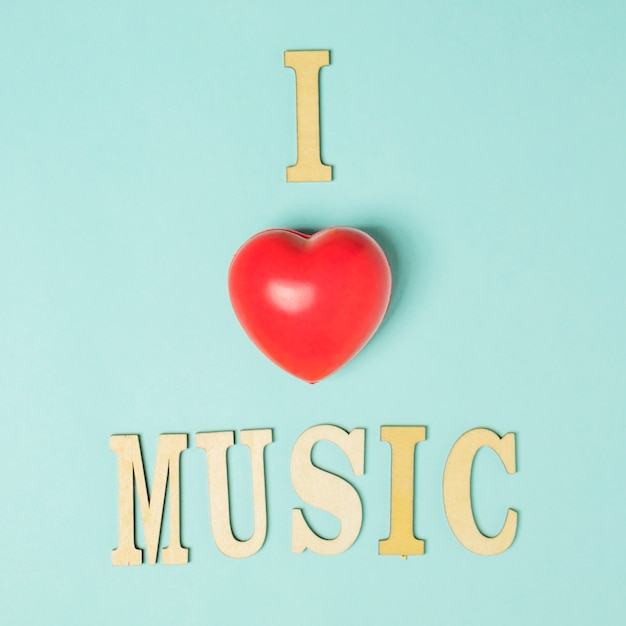 Kocham Tekst Muzyczny Z Czerwonym Sercem Na Kolorowym Tle Darmowe Zdjęcia