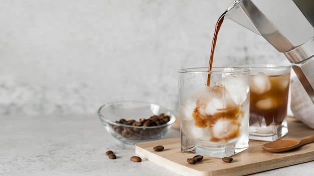 Koktajl Alkoholowy Z Kawą Premium Zdjęcia
