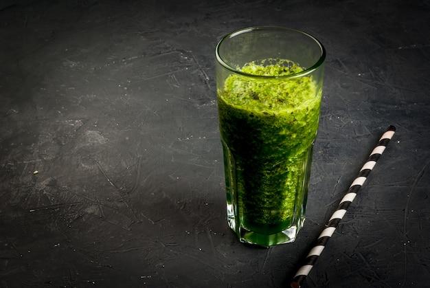 Koktajl Z Zielonych Warzyw Premium Zdjęcia