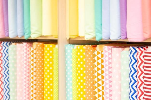 Kolekcja Tekstur Tkaniny W Jasnych Kolorach. Kolory Różowy, Pomarańczowy, żółty, Turkusowy Premium Zdjęcia