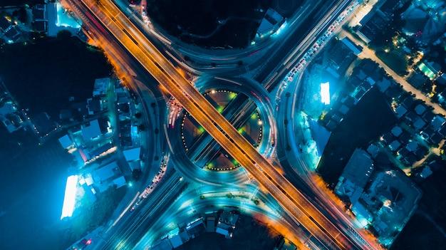 Koło ruchu drogowego ważny transport w bangkoku w tajlandii Premium Zdjęcia
