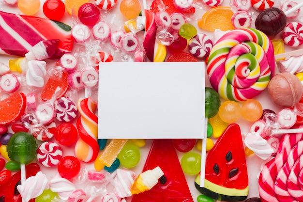 Kolorowe I Pyszne Cukierki Z Pustą Kartą Darmowe Zdjęcia